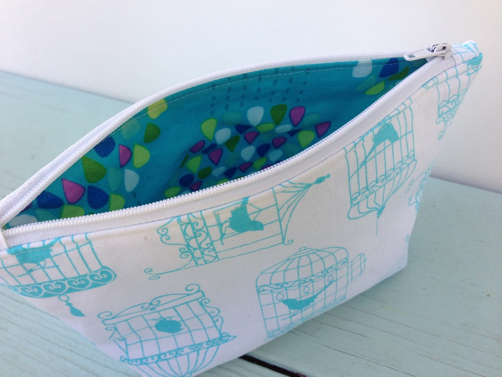 zipper pouch with tabs tutorial